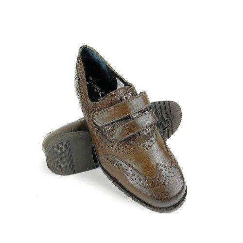 Zapato de piel comodode mujer en color marron Zerimar - 1