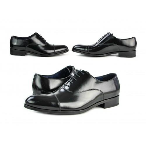 Zapato clásico de piel...